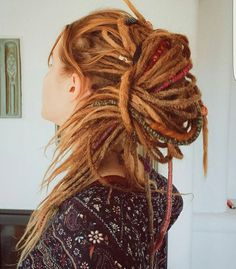 30 Stunning Dreadlock Styles for Girls — Rock Your Dreads! - 30 Stunning Dreadlock Styles for Girls — Rock Your Dreads! Hippie Dreads, Dreads Girl, Baby Dreads, Hippie Stil, Estilo Hippie, Dreadlock Hairstyles, Cool Hairstyles, Black Hairstyles, Blonde Dreadlocks