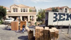 How to Choose Movers: Tips on Hiring a Moving Company You Can Trust https://www.realtor.com/advice/move/how-to-choose-a-moving-company/?utm_content=buffer8b9f9&utm_medium=social&utm_source=pinterest.com&utm_campaign=buffer #LiveWorkPlayGilbert #CooleyStationGilbert