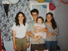 con mis tias y mi papa en mi cumple de 1 año / with my aunts and my dad in my 1 year birthday