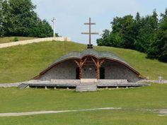 Makovecz Imre - Hármashalom oltár - Erdély, Csíksomlyó