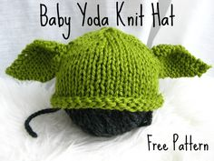 Free Bab Yoda Knit Hat pattern These baby hat knitting patterns are so cute for your new little one! Get the FREE knitting patterns right here at The Lavender Chair! Knitting For Kids, Loom Knitting, Free Knitting, Knitting Projects, Baby Hat Knitting Patterns Free, Knitting Toys, Knitting Tutorials, Knitting Videos, Crochet Gratis