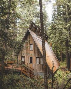 A Frame Cabin, A Frame House, Small House Design, Modern House Design, Cabin Homes, Log Homes, Ideas De Cabina, Little Cabin, Forest House