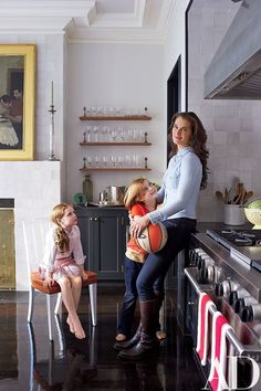 Brooke Shields with her daughters in her New York townhouse | archdigest.com