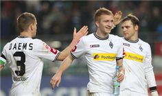 Borussia Monchengladbach will look to keep the pressure on the Bundesliga's top two when they visit Nuremberg on Sunday.