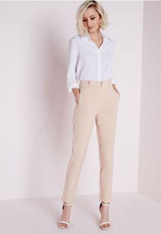 http://www.missguidedfr.fr/catalog/product/view/id/170357/s/pantalon-cigarette-nude-plisse-a-la-taille/category/1400/