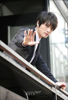 Everybody say hi to Jaejoong (._.)/