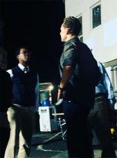 "hellomalo: ""That's Tom Hiddleston. Filming for new Kong movie. Just FYI. #tomhiddleston."" Full size image: http://ww2.sinaimg.cn/large/6e14d388gw1ez40ign74ij20u00u0jti.jpg Source: https://www.instagram.com/p/_bYcvdGkhU/ Via Torrilla"