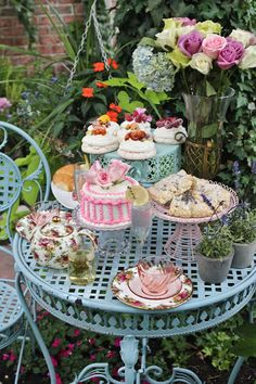 English Garden Party. A Little Cuppa Tea I would love to have a tea party :)