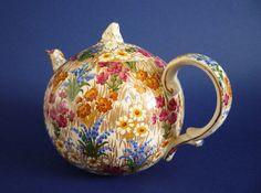 Early Grimwades Royal Winton 'Marguerite' Chintz Elite Teapot c1930