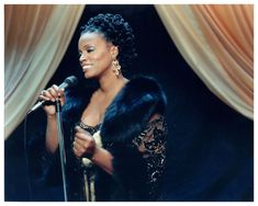 Dianne Reeves | © Jazzinphoto