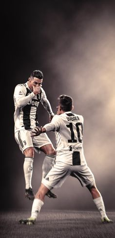 Cristiano Ronaldo and Paulo Dybala celebrate the goal for Juventus # football Neymar, Cr7 Messi, Messi Vs Ronaldo, Ronaldo Football, Cristiano Ronaldo 7, Cristiano Ronaldo Wallpapers, Juventus Fc, Juventus Players, Barcelona E Real Madrid