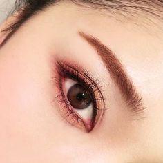 9 Korean Makeup Looks – My hair and beauty Asian Makeup Looks, Korean Makeup Look, Asian Eye Makeup, Eye Makeup Tips, Korean Beauty, Kiss Makeup, Cute Makeup, Pretty Makeup, Bridal Eye Makeup