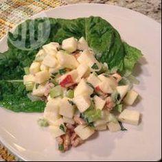 Ensalada de manzana sobre lechuga @ allrecipes.com.mx