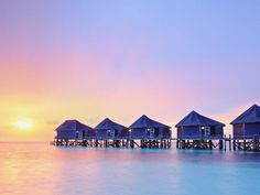 Do you know the key to starting the weekend off right? Waking up in the Maldives.  Book Sheraton Maldives Full Moon Resort & Spa thru Travelocity and earn cash back from RebateBLast.