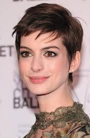 Anne Hathaway rocking a #pixie_crop gonna be a hot look for the coming year