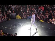 Justin Bieber put on another fantastic Believe Tour show last night (7/25/2013) at the Ontario Air Canada Centre in Toronto. Check out the videos!