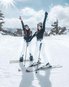 Cute Friend Pictures, Best Friend Pictures, Friend Pics, Bff Pics, Mode Au Ski, Snow Pictures, Ideas For Pictures, Inspiring Pictures, Ski Season