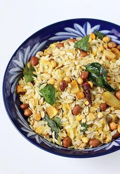 Oats chivda recipe - healthy oats mixture that can be made under 20 minutes. Can be packed in the kids' snack box or enjoyed as a evening snack Healthy Bedtime Snacks, Healthy Protein Snacks, Healthy Recipes, Ragi Recipes, Healthy Breakfasts, Veggie Recipes, Eating Healthy, Clean Eating, Indian Snacks