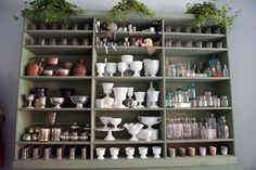 So many amazing containers just begging to be filled with flowers! Flower Shop Interiors, Flower Shop Design, Flower Studio, Flower Farm, Interior Design Living Room, Flower Shops, Inspiration, Florist Shop Interior, Warehouse