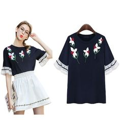 FLORAL EMBRODIERY DETAIL TEE