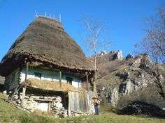 Casa taraneasca in satul Valea Uzei; muntii Trascaului Bucharest Romania, European House, Good House, Cozy Cottage, Traditional House, Gazebo, Tourism, Outdoor Structures, House Design