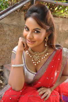 Srilekha Reddy in Red Saree (110 Photos) - Image 46