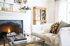 9 Chic Ways to Dress Up Your Boring Neutral Sofa via @MyDomaine