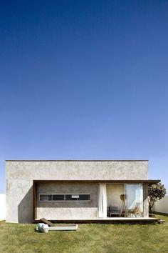 Box House by 1:1 arquitetura:design