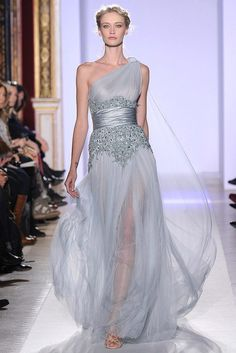 Zuhair Murad Spring 2013 Couture Collection - Breath-taking, elegant designs dominated the Zuhair Murad spring 2013 couture collection once again mesmerizing everyone in the process. Have a glimpse! Couture Mode, Couture Fashion, Runway Fashion, Couture 2015, Designer Evening Dresses, Evening Gowns, Zuhair Murad Haute Couture, Beautiful Gowns, Beautiful Outfits