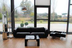 Lampada ad arco base marmo € 550,00 – colonna specchio € 250,00 – portaombrelli € 120,00 info@fabbricax.com