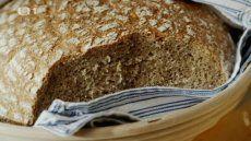 Deník Dity P.: Když peču chleba — Česká televize Banana Bread, Desserts, Tailgate Desserts, Deserts, Postres, Dessert, Plated Desserts