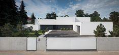KMA architects unites house on the line of the horizon
