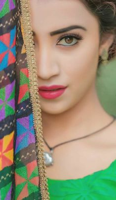 Hot Model and Actress collection Beautiful Girl In India, Beautiful Girl Image, Punjabi Girls, Stylish Girl Images, Cute Girl Photo, Girly Pictures, Pakistani Bridal, Girls Dpz, Cute Makeup
