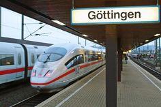 Schaffner erkennt Fahrkarte nicht an - 14-Jährige verlässt Zug in Göttingen