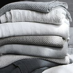 Cotton Fishbone + Moss knitted blankets - Luna Home