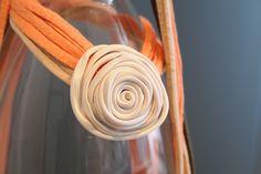 Collar tela reciclada y espagueti