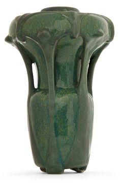 Edmond lachenal (1855-1948) & émile decoeur (1876-1953) vase végétal en grès formant capsule florale, corps ovoïde surmonté d'un bulbe aplat...