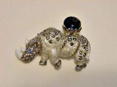 NWOT-RHINOCEROS-Pin-Gray-Enamel-with-Large-Royal-Blue-Glass-Stone