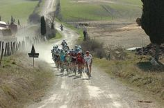 The early break in Strade Bianche 2012.