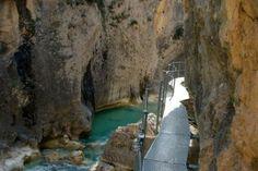 Ruta en familia por las pasarelas del río Vero en Huesca Kingdom Of Heaven, Places To Visit, Nature, Travel, Lakes, Trips, Pyrenees, Naturaleza, Viajes
