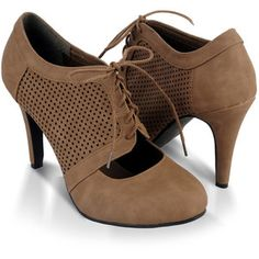 Perforated Oxford Pumps