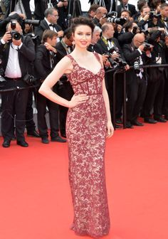 Emma Miller in Sophia Kah and Chopard jewelry. See all the looks from the Cannes Film Festival.