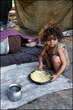 Food scarcity is a result of structural poverty, which has many contributing factors such as inequity in labor laws, wages and economic decline, which in turn adversely effects women and children. Poor Children, Precious Children, Poverty Photography, Village Photography, Children Photography, Les Miserables, India For Kids, Poverty And Hunger, Slums