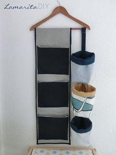 diy organizador Lamarita DIY: O - doityourself Hanging Storage, Diy Hanging, Small Sewing Projects, Diy Projects, Organize Fabric, Denim Crafts, Craft Storage, Diy Organization, Diy Home Decor
