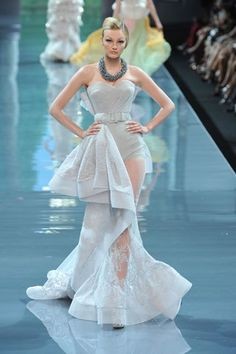 Christian Dior Fall 2008 Couture Fashion Show - Caroline Trentini (Elite)