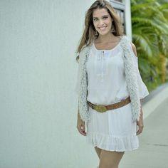 Vestido estilo Boho Chic. Nas cores, Off White e Marinho,  tamanhos disponíveis do P ao G,  em tecido  de viscose de algodão. Em tecido leve e confortável, para você mulher que vive antenada na moda.  Vendas ⬇: Compre agora:   www.santollo.com.br WhatsApp : (34) 8811-2985  : (34) 3316-6586. Rua : Juca Marinho 15 Uberaba-MG.  #dress #trend #moda #model #vestido #styles #stylish #looks #girl #instavicio #beatifull #best #luxo #love #ootd #chic #boho #chic #outono #inverno #santólloonline…