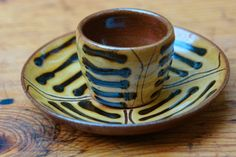 vintage slipware egg cup produced by TerryBaun Pottery, Ireland. Ceramic Cups, Ceramic Pottery, Ceramic Art, Pottery Tools, Cup Art, Thursday Night, Egg Cups, Teapots, Cup And Saucer