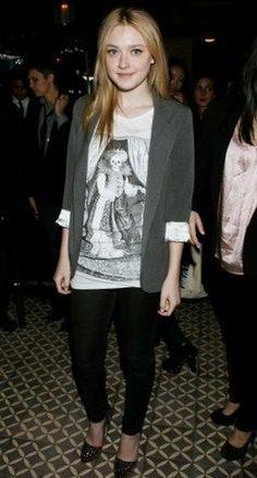 Dakota Fanning Fashion and Style - Dakota Fanning Dress, Clothes, Hairstyle - Page 26