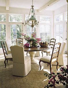 Breakfast nook ...  love the pedestal table.