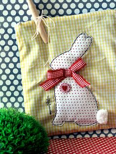 Casa de Retalhos: Mais uma idéia ♥ Easter bunny bag
